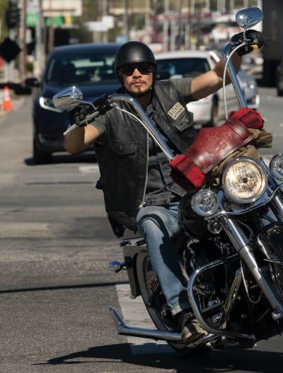 EZ on the Bike - Mayans M.C. Season 3 Episode 7