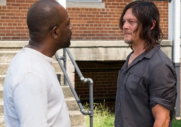 Morgan and Daryl chat - The Walking Dead Season 7 Episode 10
