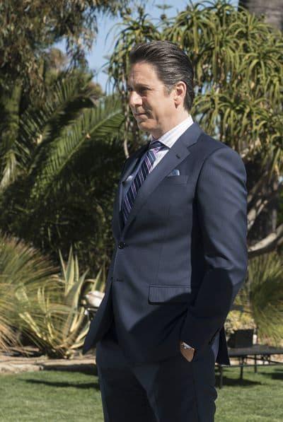 Scott Cohen as Ezra Wolf - The Fix Season 1 Episode 1