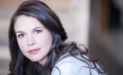 Sutton Foster and Hugh Bonneville Join Mormon Tabernacle Choir for Christmas!