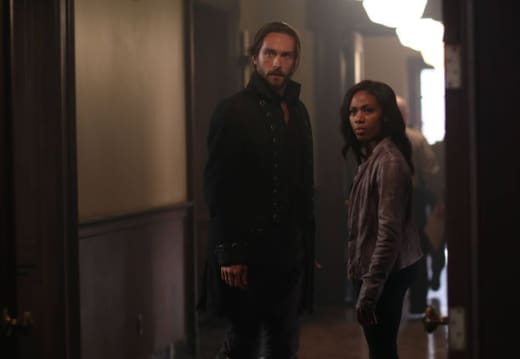 Henry Parish at the Station - Sleepy Hollow Season 2 Episode 3