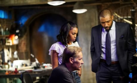 A New Case - Black Lightning Season 2 Episode 2
