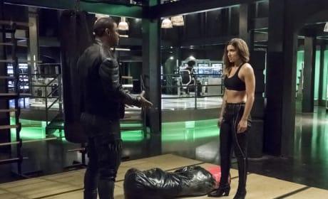 The Explaining Hands - Arrow Season 6 Episode 5