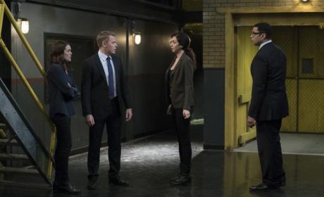 The FBI team works together - The Blacklist Season 4 Episode 9