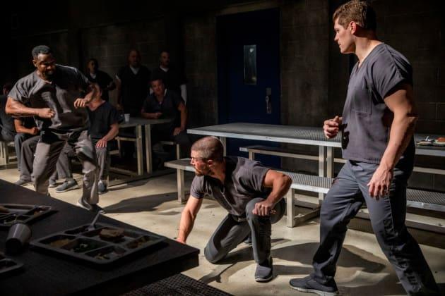 Beat down - Arrow Season 7 Episode 1