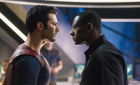 J'onn Stares Down Superman - Supergirl Season 2 Episode 2