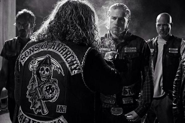 sons of anarchy book series finale air date confirmed tv fanatic. Black Bedroom Furniture Sets. Home Design Ideas
