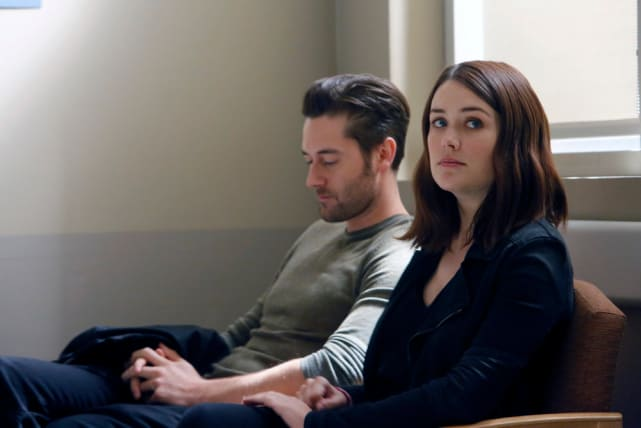 Liz and Tom patiently wait in the hospital - The Blacklist Season 4 Episode 7