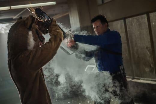 Chainsaw vs Tiger Claw - Ash vs Evil Dead
