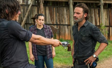 Daryl gives Rick his gun - The Walking Dead Season 7 Episode 8