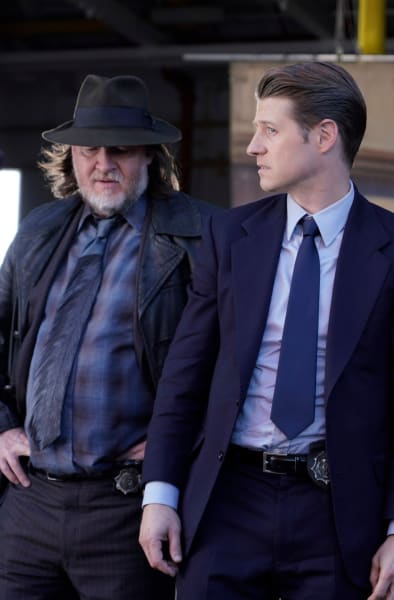 In For a Treat - Gotham Season 5 Episode 7