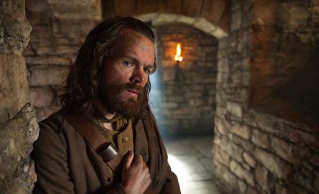 Stephen Walters as Angus Mhor - Outlander Season 1 Episode 3