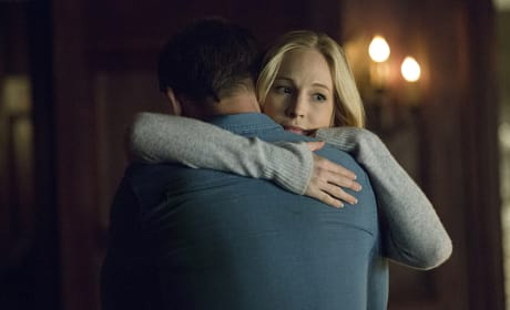 Will Caroline Stay With Alaric? - The Vampire Diaries Season 7 Episode 21