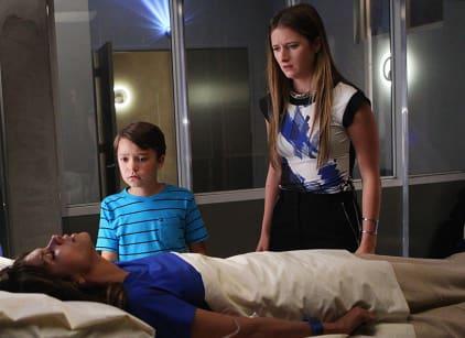 Watch Extant Season 2 Episode 9 Online