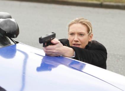 Watch Fringe Season 2 Episode 18 Online