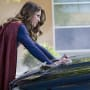 Super Strength - Supergirl Season 2 Episode 2