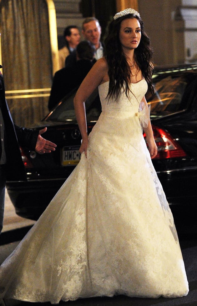 Gossip girl spoilers time jump ahead tv fanatic for Wedding dress blair waldorf