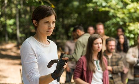 Maggie trains the Hilltop - The Walking Dead Season 7 Episode 14