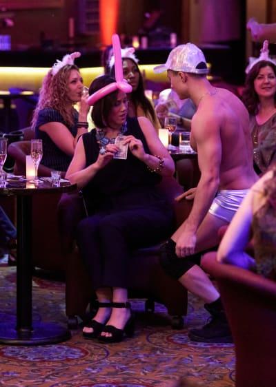 Diana's Bachelorette - Younger Season 6 Episode 11