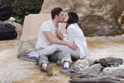 Love On the Island - Days of Our Lives