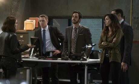 Liz has something important to tell the team - The Blacklist Season 4 Episode 4