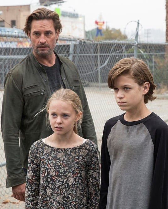 The Bowman Family - Colony Season 2 Episode 13
