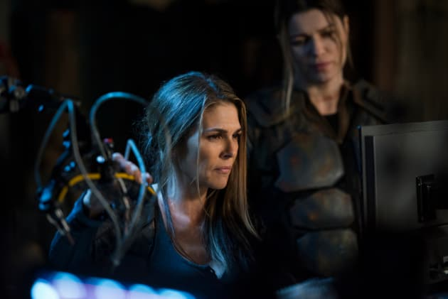 Abby and Charmaine  - The 100 Season 5 Episode 9
