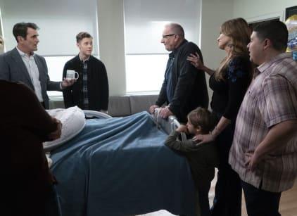 Watch Modern Family Season 10 Episode 22 Online