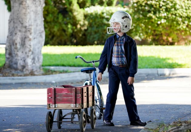 Sheldon Gets a Paper Route - Young Sheldon
