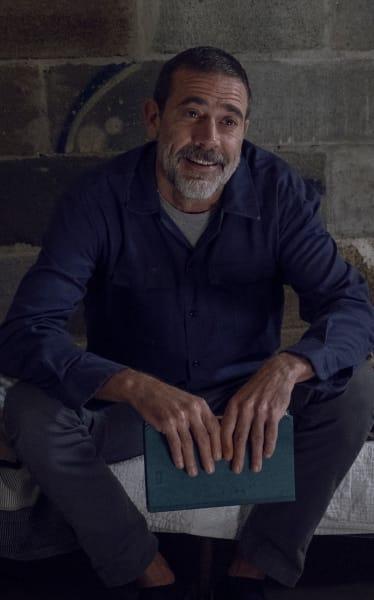 Happy Camper - The Walking Dead Season 9 Episode 12