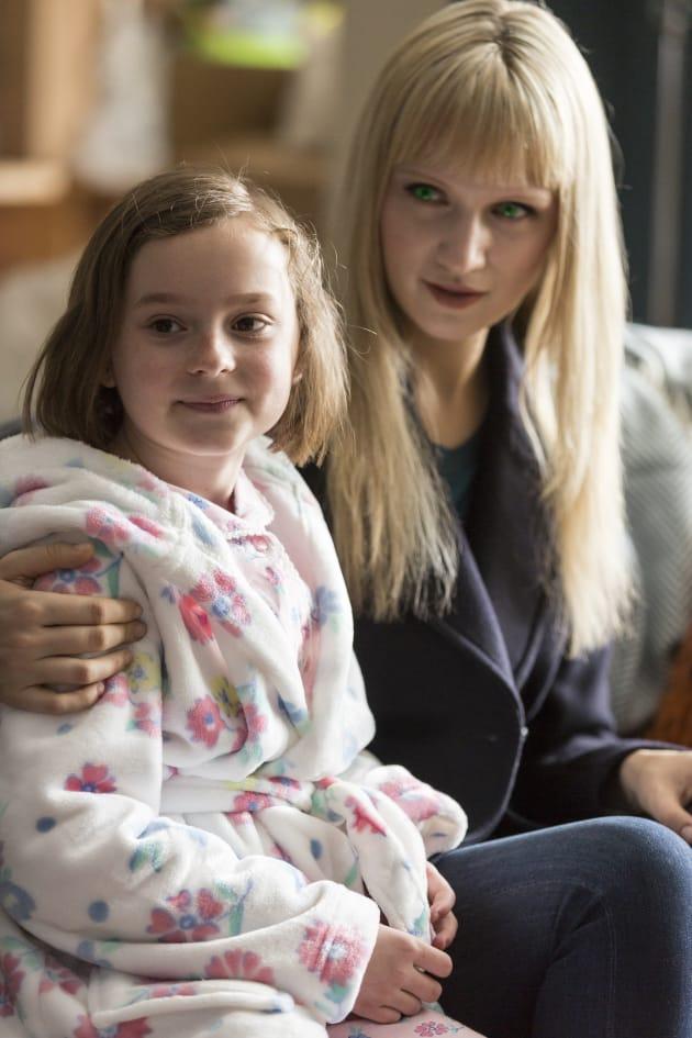 Niska and Sophie Bond - Humans Season 2 Episode 2