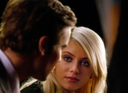 Watch Gossip Girl Season 3 Episode 15 Online
