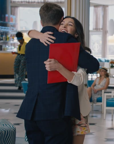 A Warm Embrace - Grand Hotel Season 1 Episode 6