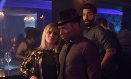 "iZombie Photos from ""Don't Hate the Player, Hate the Brain"""