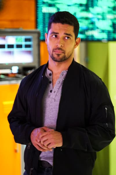 Torres Searches for Vance - NCIS Season 16 Episode 1