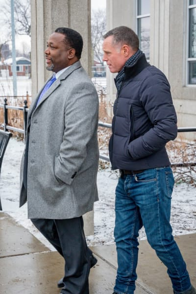 On the Upswing - Chicago PD Season 6 Episode 17