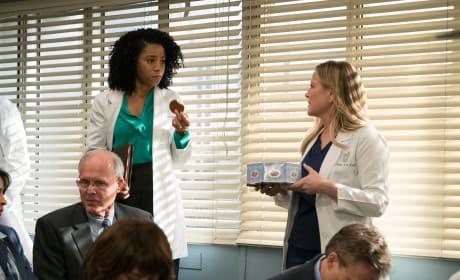 Cookie, Anyone? - Grey's Anatomy Season 14 Episode 20
