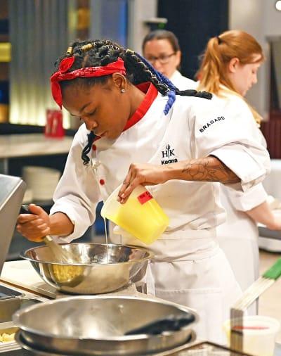 Breakfast Service - tall - Hell's Kitchen Season 20 Episode 4