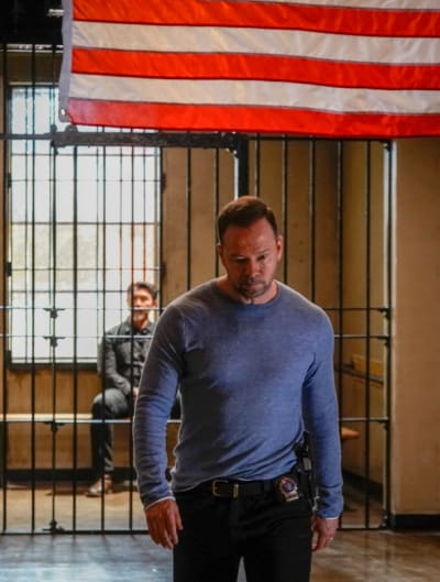 Walking Away - Blue Bloods Season 9 Episode 19