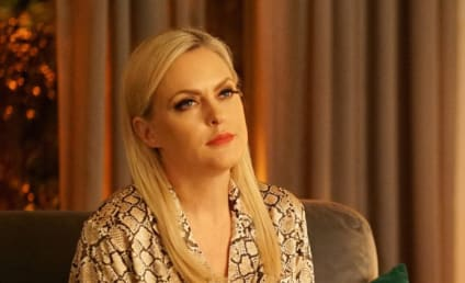 Watch Dynasty Online: Season 4 Episode 1