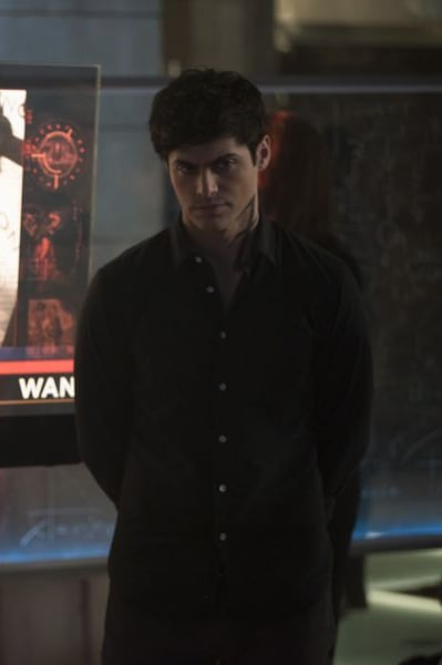 Alec at the Institue - Shadowhunters Season 3 Episode 13