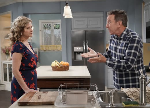 Vanessa and Mike In Kitchen - Last Man Standing