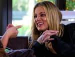 Khloe Cracks Up - Keeping Up with the Kardashians