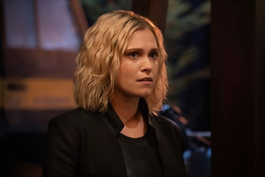 Clarke Learns New Information - The 100