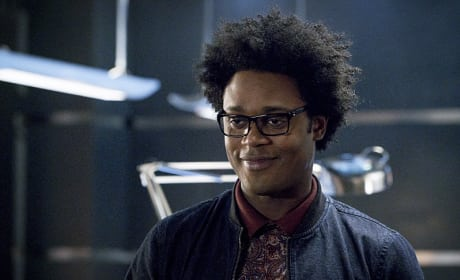 Smiling Curtis - Arrow Season 4 Episode 12
