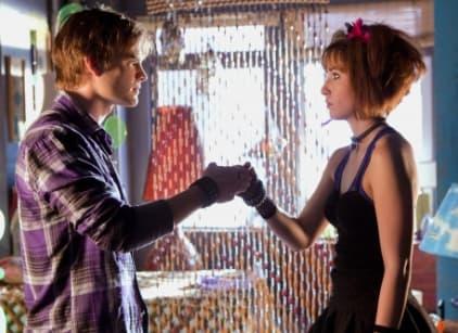 Watch Smallville Season 9 Episode 8 Online