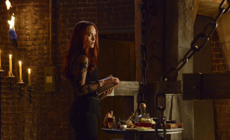 Katrina and Headless Chat - Sleepy Hollow Season 2 Episode 12