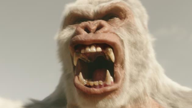 Not-so-friendly gorilla - The Flash Season 3 Episode 13