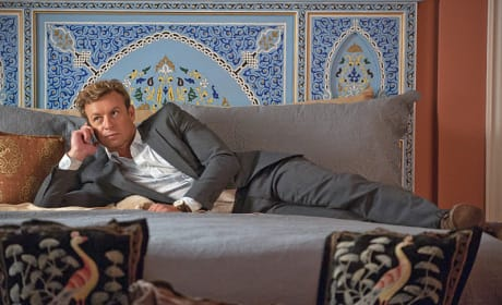 Looking Comfortable - The Mentalist Season 7 Episode 3