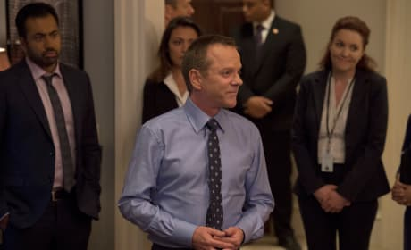 Kirkman & staff - Designated Survivor Season 2 Episode 1